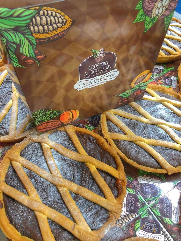 Un gusto deciso, accogliente, invernale: Crostata Al Cioccolato variegata all'Albicocca!